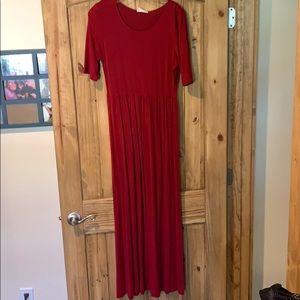 Dresses & Skirts - Cranberry maxi dress.